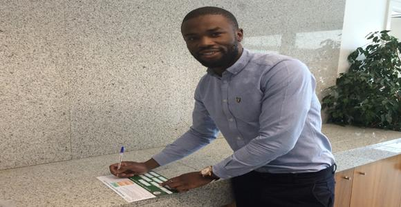 Cabinteely defender Victor Ekanem casts his vote